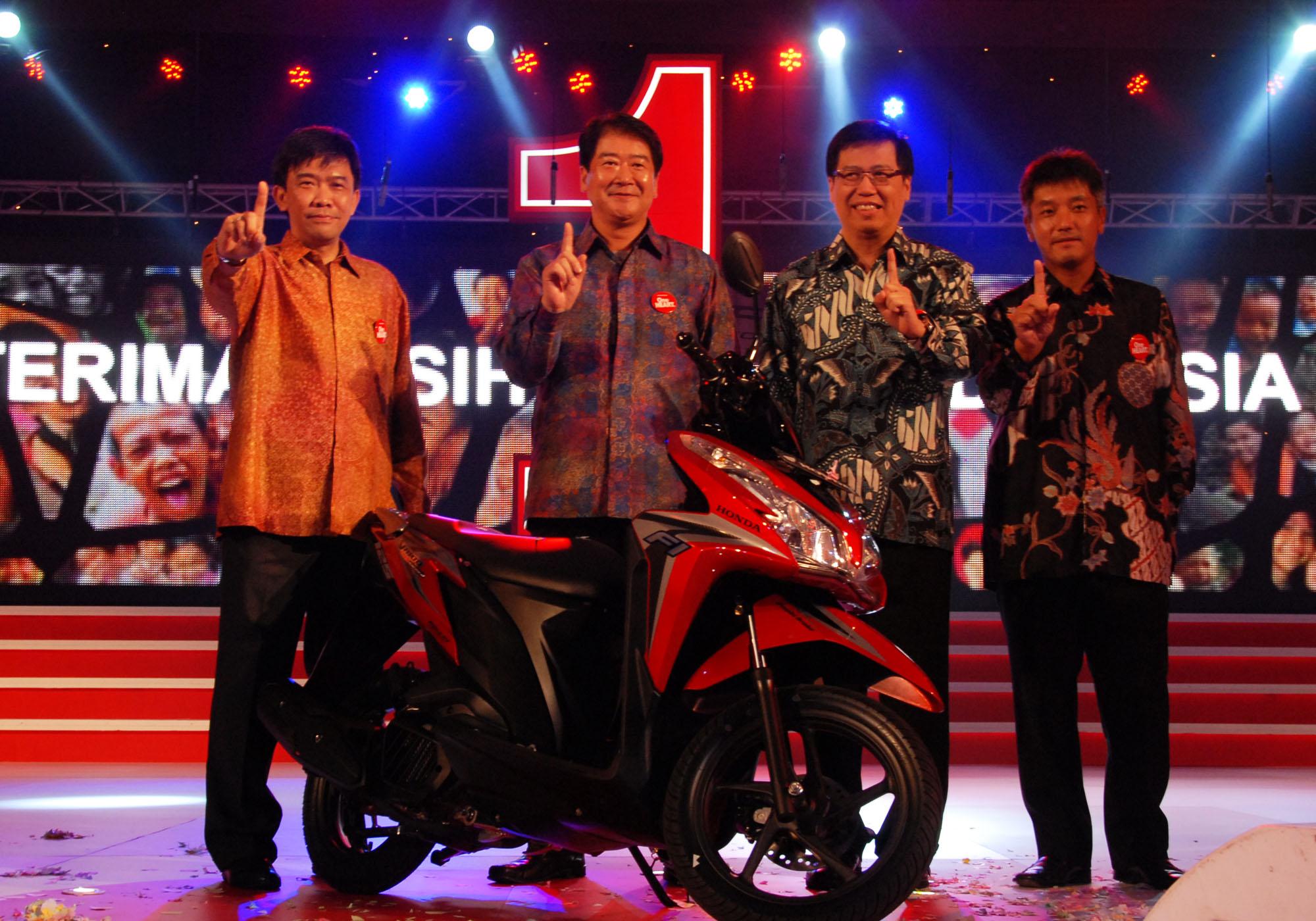 Honda Laman 20 Sugimasihada New Vario 125 Esp Cbs Sonic White Red Kab Semarang Ahm 001